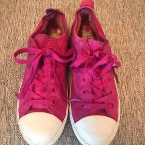 Girls Pink Suede Size 4 UGG Tennis Shoes